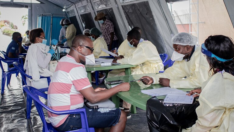 Health workers in the vaccination room during the COVID-19 vaccination campaign on May 5, 2021 in Goma, Democratic Republic of Congo.